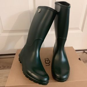 NIB UGG Olive Color Shelby Matte Rain Boots